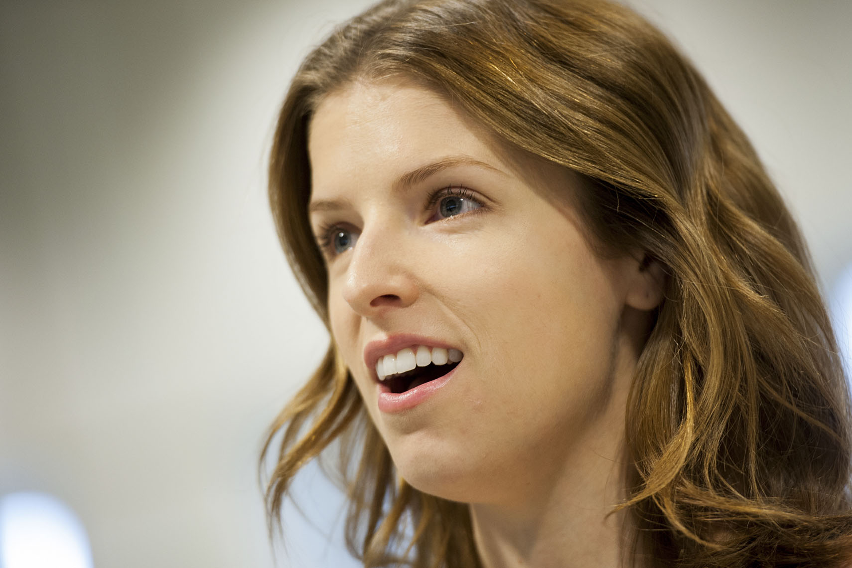 Close-up Photos of Anna Kendrick | Washington Photographer Aaron Clamage